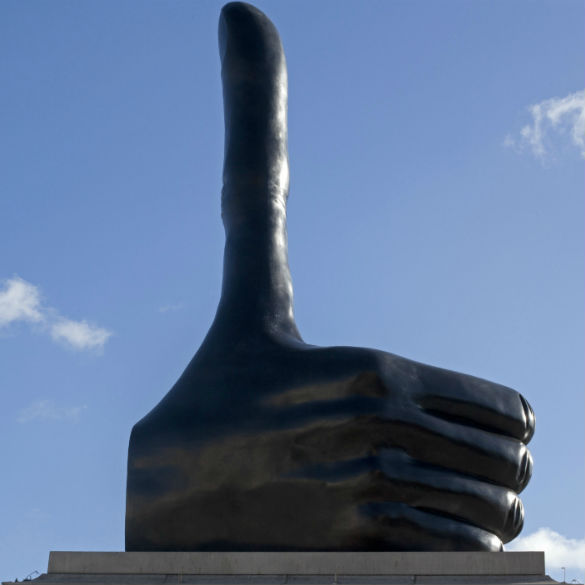 Momart - Installation of artwork - Fourth Plinth - David Shrigley Really Good 2
